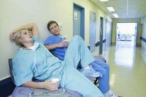 Как написать жалобу на врача: правила оформления и готовые шаблоны. Как правильно составить жалобу на врача. Рассмотрим возможные ситуации написания жалобы на врача.